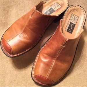 (LIKE NEW) JOSEF SEIBEL Brown Leather Mules Clogs